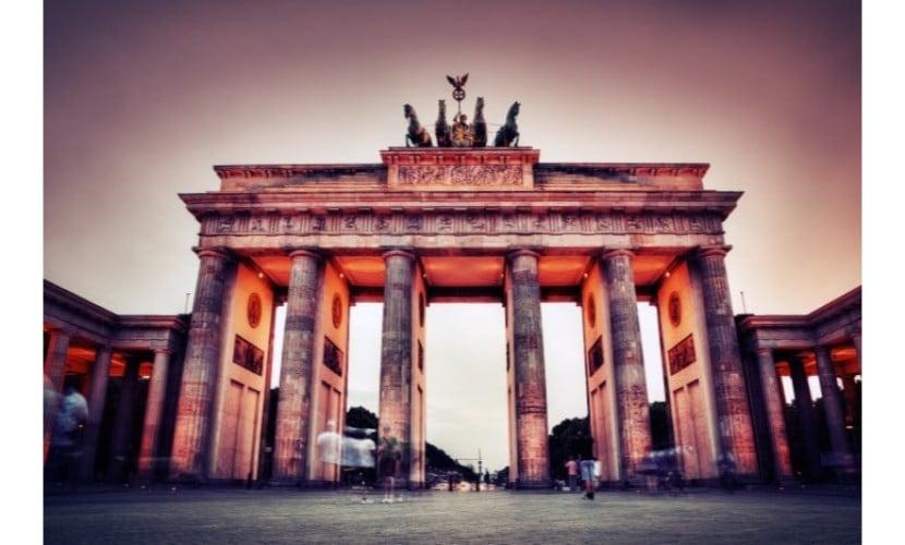 תרגום לגרמנית - תמונה של שער ברנדנבורג בגרמניה