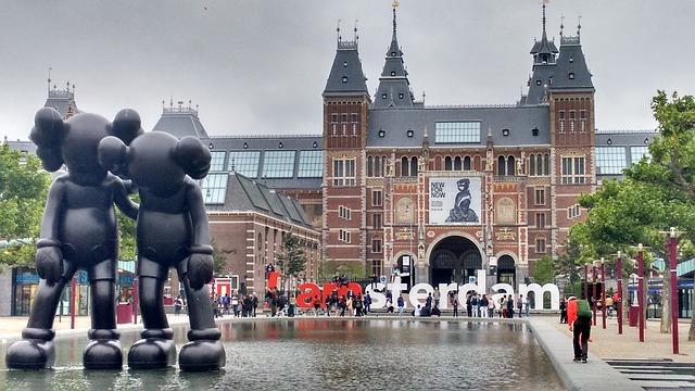 שירותי תרגום להולנדית - תמונה של אמסטרדם הולנד